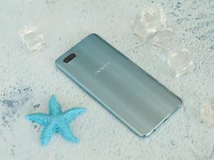 外观精致玲珑剔透 OPPO R15x冰萃银图赏