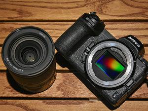 小巧之余融合自家单反特色 尼康全画幅微单Z7外观实拍图赏