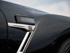 碳纤维纹理外观 iQOO武士黑明天全网开售