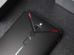 Ta们说:拥有地表最强万博万博万博手机散热系统的红魔3收获了怎样的评价?