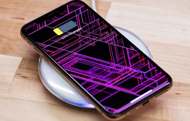 临时变卦! 苹果或将砍掉新iPhone的反向无线充电功能
