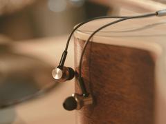 小米新品耳机官宣,双动圈+双动铁?这配置有点期待!