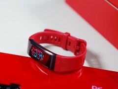运动健康与设计均出彩的华为手环4 Pro,送给家人更好的新年礼物