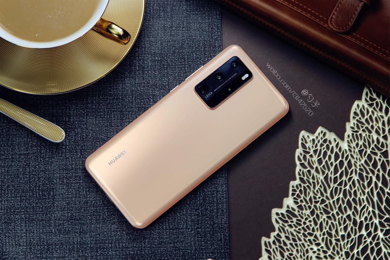 华为P40 Pro开箱上手,5G旗舰手机中标杆级存在!