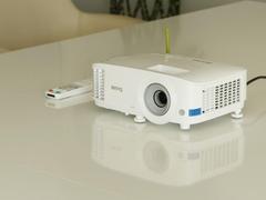 智能无线投屏 明基E520智能投影仪4399元特惠