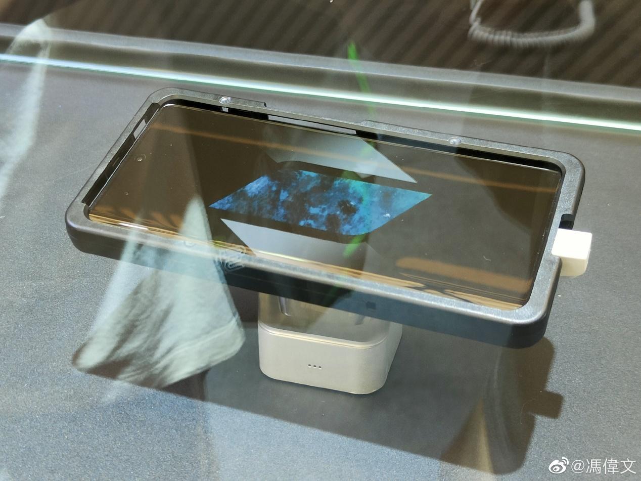 iQOO 8亮相CJ:首发三星E5 2K屏+大面积屏下指纹识别