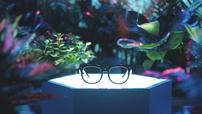 佩戴舒适全彩显示 雷鸟创新发布首款MicroLED全息光波导AR眼镜
