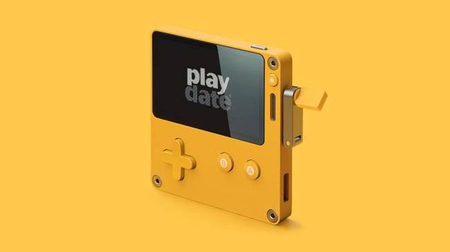 迷你掌机与手摇杆的奇妙结合?新品游戏机Playdate创造新玩法