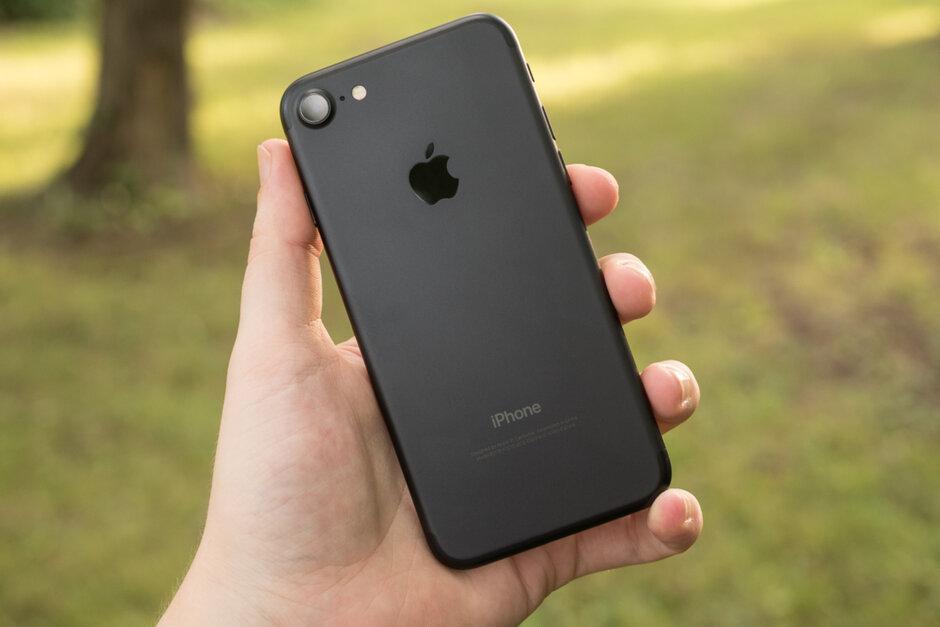 苹果iPhone辐射超标?FCC:反复测试,符合标准