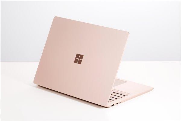 2019年,微软在Surface上的投入是苹果iPad的四倍以上