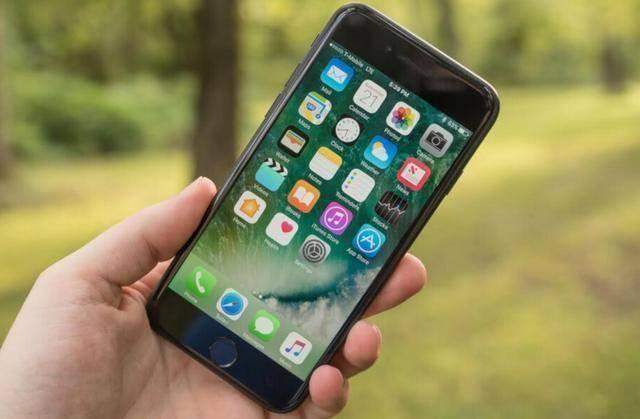 iPhone 7成新一代刷机神机!继安卓后,又成功运行Linux
