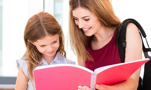 儿童英语培训班多少钱一年线上和线下收费相差大吗?